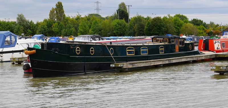 D Barge